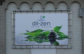dil-zen muur banner